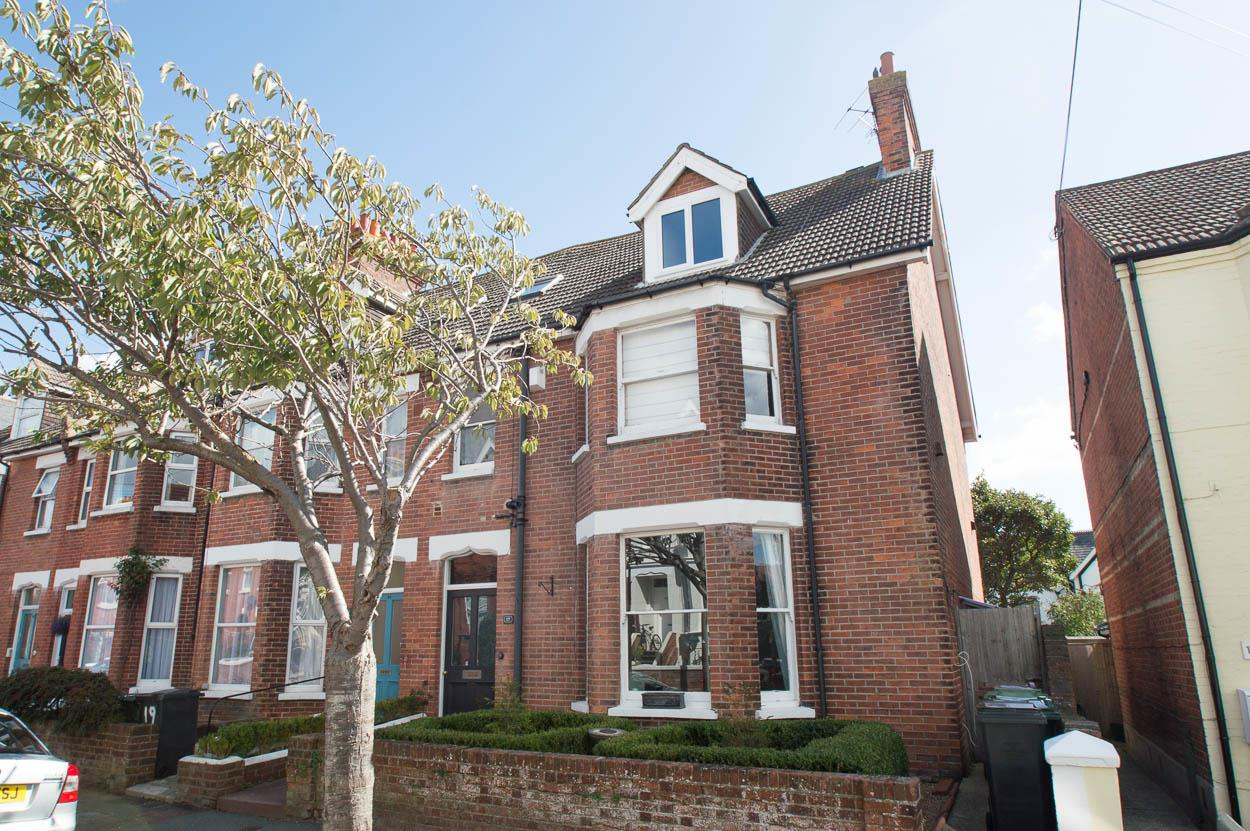 5 Bedrooms Terraced House for sale in Bedford Grove, EASTBOURNE